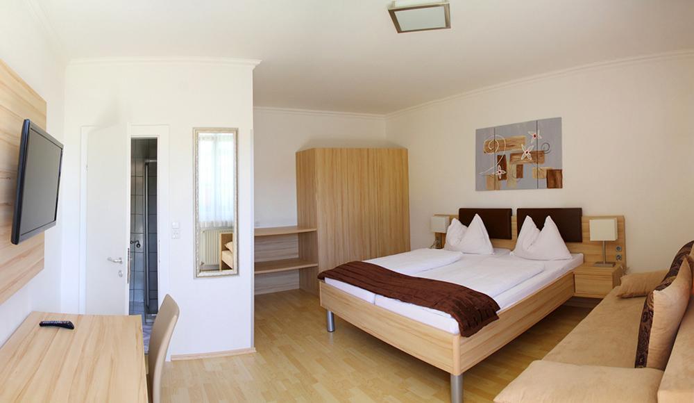 Zimmer 2 Gästehaus Gerlinde Podersdorf am See
