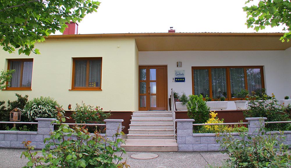 Eingang zum Gästehaus Gerlinde in Podersdorf am See